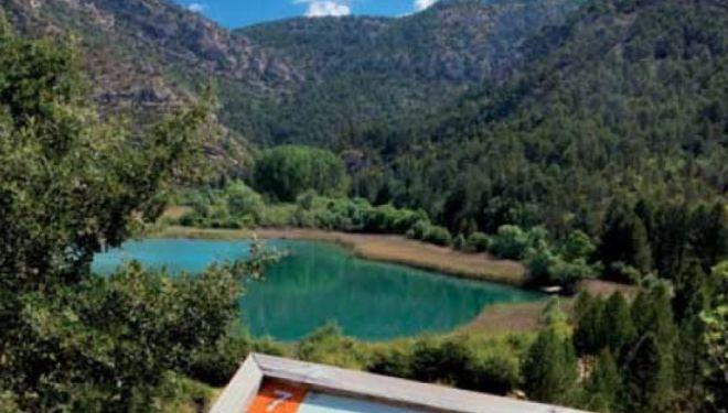 La laguna de Taravilla es uno de los muchos rincones curiosos del Geoparque de Molina - Alto Tajo  (Dioni Serrano)