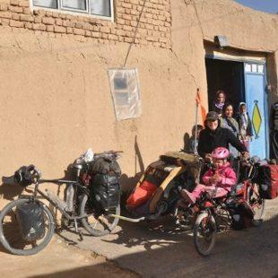 Irán. Vuelta al mundo en bicicleta y en familia.  (©Mundubcyclette)