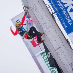 Petra Klingler en la Copa del Mundo de Escalada en Hielo 2016 en Rabenstein (Italia)  (Patrick Schwienbacher/ UIAA)