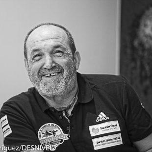 Juanito Oiarzabal en marzo 2016 en la presentación de su proyeto 2x14x8000  (© Darío Rodríguez/DESNIVEL)