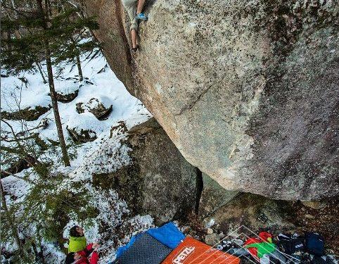 Jongwon Chon en Asagimadara 8C del Mt. Mizugaki  (Foto: Eddie Gianelloni)