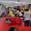 fisioterapeutas tratan a los corredores de la anterior edición de la Transvulcania  (COFC)