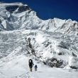 Carlos Soria en la travesía del glaciar desde el C1 (5200m) hasta el C2 (5700m) del Annapurna 2016  ()