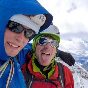 Marc-Andre Leclerc y Luka Lindic en la cima del Mt. Tuzo tras escalar la Lindic-Leclerc (Rocosas Canadienses)  (Col. M-A. Leclerc)