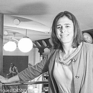 Edurne Pasabán en la Librería Desnivel en mayo 2016.  (© Darío Rodríguez/DESNIVEL)