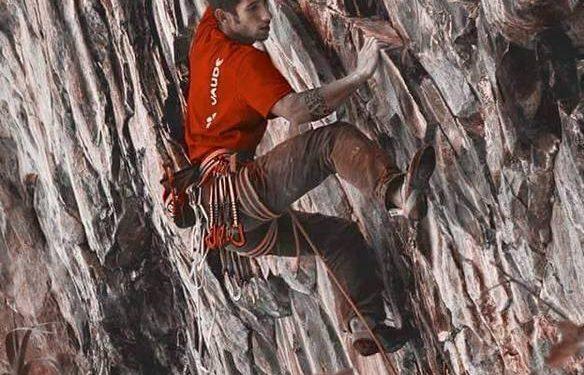 Samuel Calvente en Maneras de vivir 9a de Salto del Perro (Gran Canaria)  (Foto: Xabier Brey)