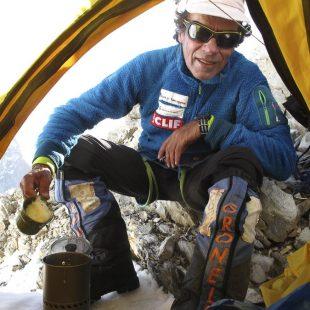 Oscar Cadiach en el C2 del Broad Peak en el intento que realizó en la primeravera 2015  (©Oscar Cadiach)