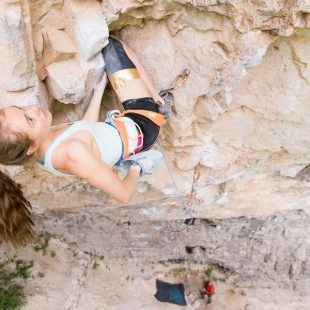 Margo Hayes en The crew 8c+ de Rifle  (Foto: Jon Glassberg)