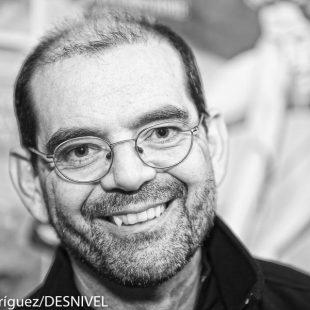Ricardo Martínez Llorca ganador del Premio Desnivel de Literatura 2016.  (© Darío Rodríguez/DESNIVEL)