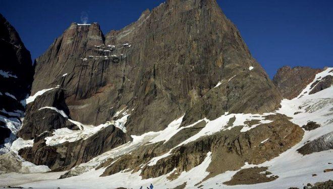 Campo base a los pies del Apostel Tommelfinger (Groenlandia)  (Foto: Silvan Schüpbach)