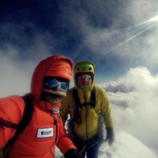 Zsolt Torok y Vlad Capusan en la primera ascensión del Saldim Ri (6.374 m) en Nepal.  (Vlad Capusan)