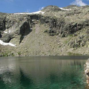 Laguna de la Nava en la Sierra de Gredos  ()