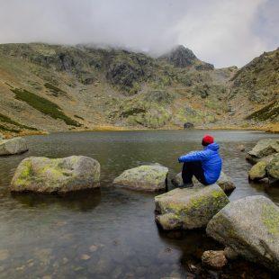 Laguna de los Caballeros en la Sierra de Gredos  ()