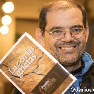 Ricardo Martínez Llorca en la presentación de Luz en las grietas