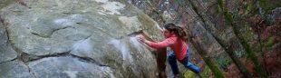 Melissa Le Nevé en La cicatrice de lohm 8B de Fontainebleau  (Foto: Johan Kervella)