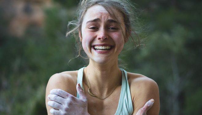 """Margo Hayes emocionada tras encadenar """"La Rambla"""", Siurana."""