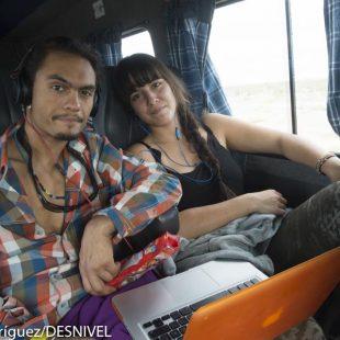 El escalador sueco Said Belhaj durante el viaje en furgoneta a Piedra Parada desde Puerto Madryn (unos 600 kilómetros). Roc Trip Petzl 2012