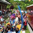 En la estación de Lekunberri se organizan muchas actividades para niños aprovechando la presencia del vagón de los juegos  (DIONI SERRANO)