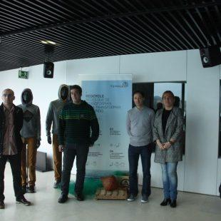Representantes de Ternua y OPEGUI en la presentación del proyecto Redcycle ()