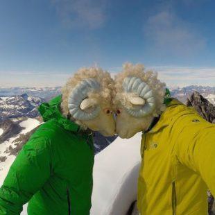 Los hermanos Libecki en la cima de la Polar Bear Fang Tower (Groenlandia)  (Col. M. Libecki)