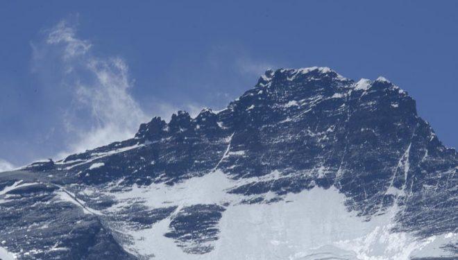 Lhotse visto desde el campo 2.  (© Darío Rodríguez/DESNIVEL)