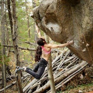 Alex Puccio en Mysterious wayz 8A de Rocky Mountain National Park. Octubre 2015  (Chris Motta)