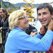 """Ramón Julián """"Ramonet"""" felicitado por su madre tras ganar Campeonato Mundo Escalada"""