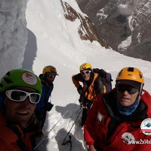 Zerain y García han funcionado como una sóla cordada con los italianos Meroi y Benet en el Annapurna  ()