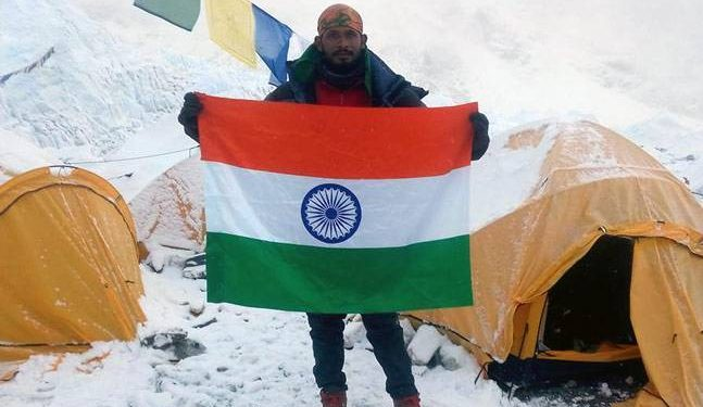 Ravi Kumar en el Everest  ()