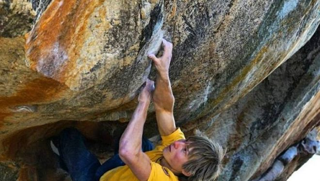 Alex Megos en Monkey wedding 8C de Rocklands  (Foto: Natacha Jagd)