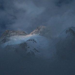 Mal tiempo en el Broad Peak (8.051 m)  (Òscar Cadiach)
