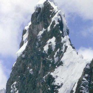 Arista y cima del Cayesh (Cordillera Central) (JM Fernández / R. Craven)