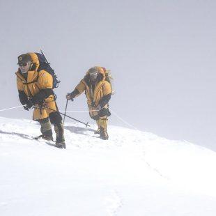 Carlos Soria durante el primer intento a cima Dhaulagiri 2017 en el que quedó muy cerca de la cima.  (©Luis Miguel Soriano/Expedición Correos)