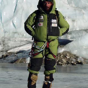 Álex Txikon en plena expedición  (Aitor Bárez)