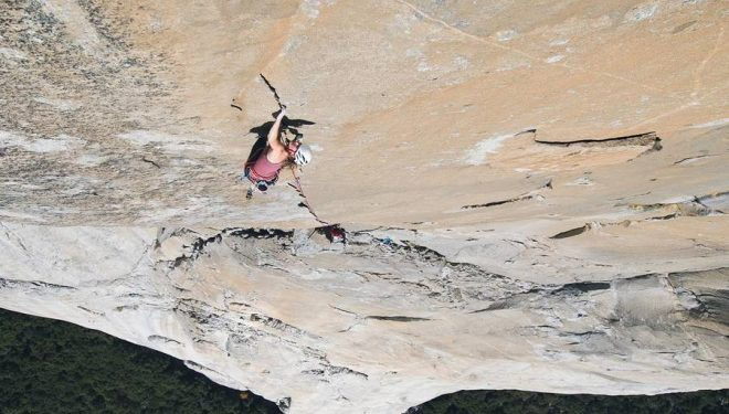 Barbara Zangerl en Magic mushroom 8b+ del Capitan (Yosemite)  (Foto: Jon Glassberg)