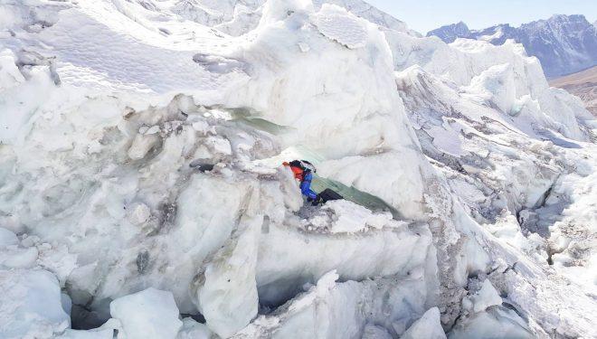 Álex Txikon en la Cascada de Hielo del Khumbu, Everest invernal 2018.