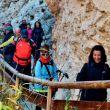 Excursionistas recorriendo la Gran Senda de los Primeros Pobladores