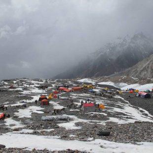 La expedición polaca al K2 invernal acampó ayer en Concordia de camino al campo base