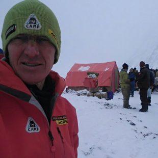 Denis Urubko poco antes de abandonar el campo base del K2 con destino a Skardu (28 febrero 2018)
