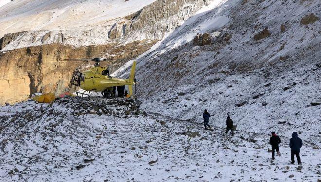 Helicóptero de rescate esta mañana en el campo base del Dhaulagiri.2018