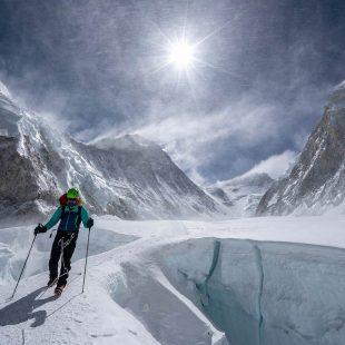 Tenji Sherpa aclimatando en el Everest. 2018