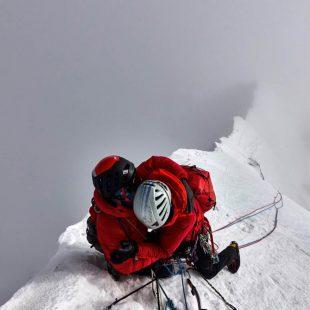 Malcolm Bass y Paul Figg en la cumbre del Janhukot (6.805 m). Primera ascensión.