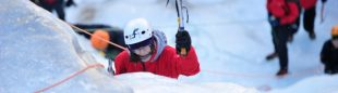 Competición de escalada en hielo durante el Icertic 2011