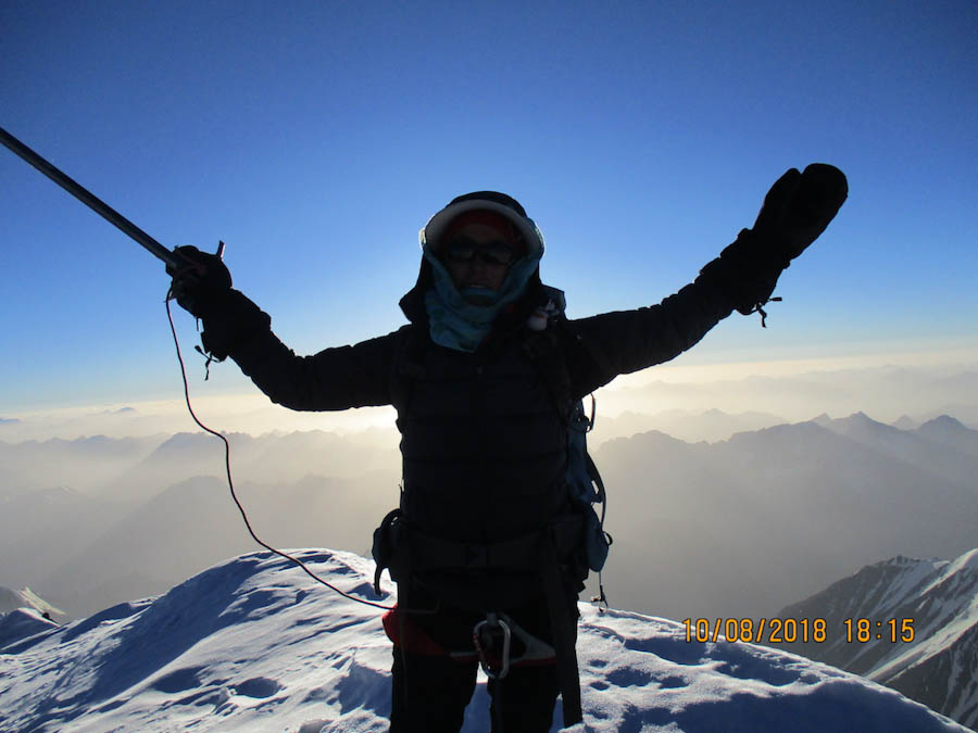 Hanifa Yousoufi En La Cima Del Noshaq 7492 M Tras Convertirse En