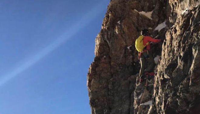 Un momento de la ascensión al Cervino por sus cuatro aristas de Andreas Steind y François Cazanelli. 2018