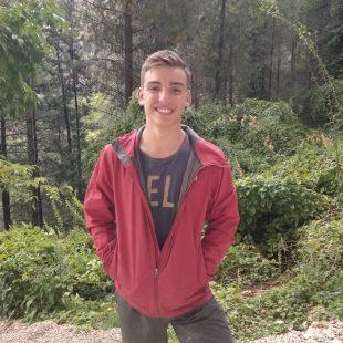 El joven escalador Alex González, 15 años.