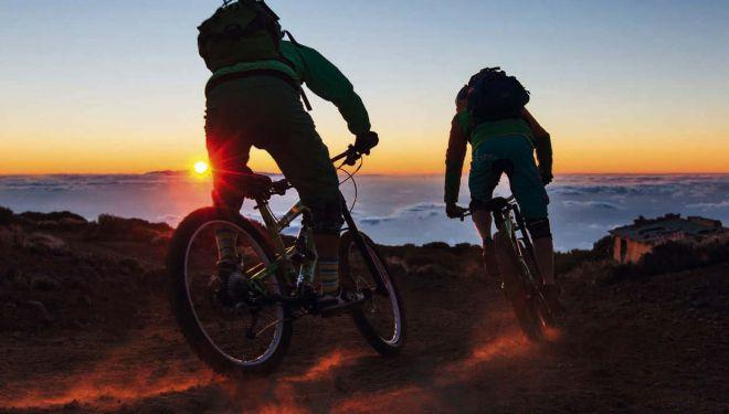 Ciclista en la Isla de Tenerife