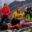 Ixchel Foord, Cecilia Buil y Anna Torretta, en el CB del Mugu Peaks