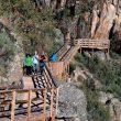 Una parte de la pasarela que se ha instalado en el cañón del río Mao.