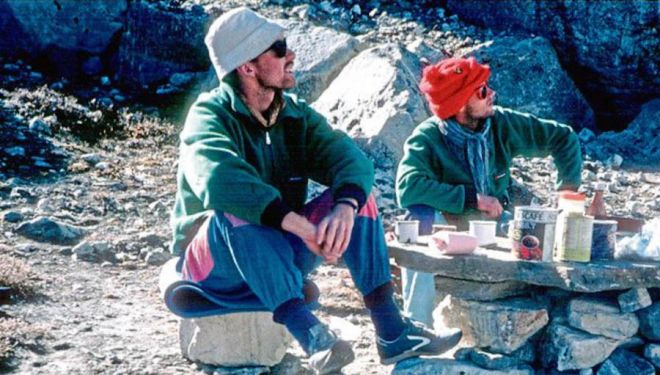 Kristinn Rúnarsson y Thorsteinn Gudjonsson antes de desaparecer en el Pumori en 1988.